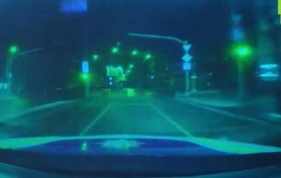 Погоня патрульного під «кайфом» за водієм, що вчинив ДТП: з'явився запис із відеореєстратора