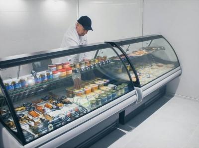 """У новому магазині """"Добра риба"""" від """"Галс-2000"""" найширший вибір якісної і смачної рибної продукції в Чернівцях. Тепер на ринку """"Центральний"""".*"""