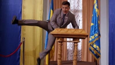 «Слуга народу»: російський телеканал зняв з ефіру серіал із Зеленським