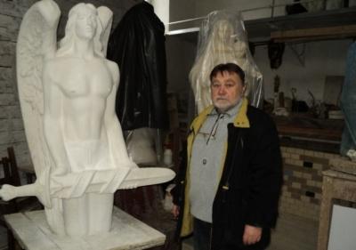 Помер скульптор, який створив пам'ятник Володимиру Івасюку в Кіцмані