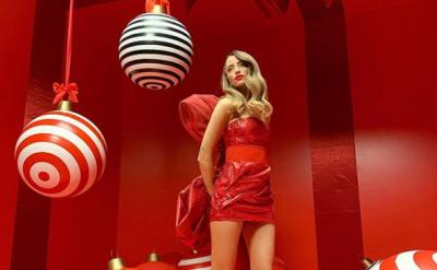 Надя Дорофєєва показала фігуру в ультракороткій сукні - фото