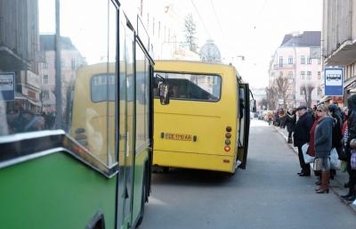 Скільки Чернівцям обходиться перевезення пільговиків у громадському транспорті