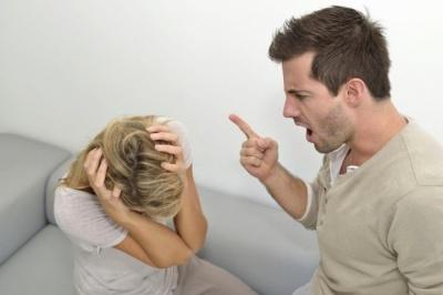 У Чернівцях чоловіка засудили на рік умовно через домашнє насильство над дружиною