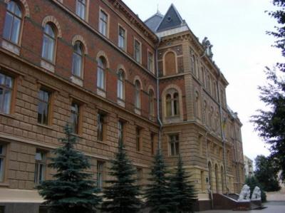 Сьогодні громада села Чорнівка пікетуватиме будівлю Чернівецької ОДА