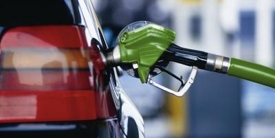 Прем'єр обіцяє зниження ціни на бензин
