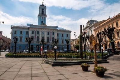 Чернівецька міськрада хоче капітально відремонтувати Центральну площу