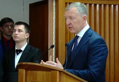Осачук заявив, що йому довелось «червоніти» за Буковину на нараді в Гончарука
