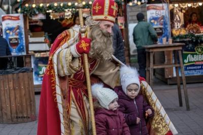 Миколай чи Дід Мороз: у кого українці вірять більше