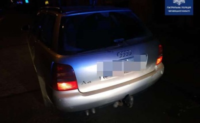 У Чернівцях п'яний водій без прав пропонував патрульним 100 євро хабаря