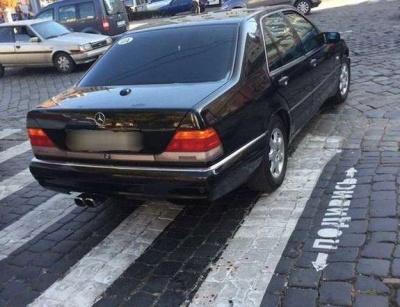 У Чернівцях судитимуть водія службової машини міськради, який на «зебрі» збив пенсіонерку