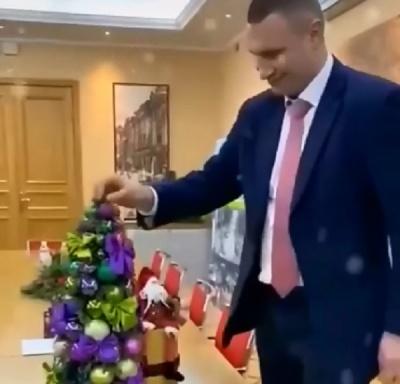Кличко зареєструвався у TikTok: перше відео мера Києва порвало мережу