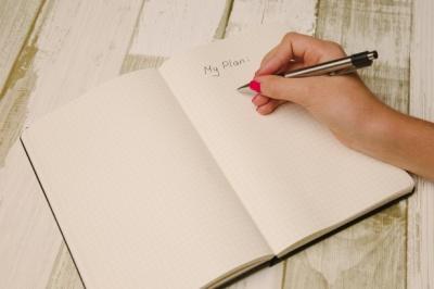 Як дізнатися характер людини по почерку: 10 цікавих фактів