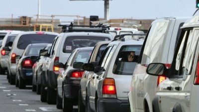 Прикордонники кажуть, що черги з авто на західному кордоні зменшилися