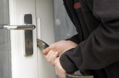 У Чернівцях затримали серійного злодія, який обікрав більше 30 будинків