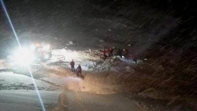 Різдвяне диво: в Австрії врятували лижника, який пролежав під лавиною 5 годин