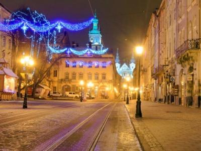 Львів і Чернівці: різні святкові враження. Блог Марини Кавкало