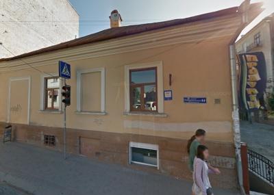 У квартирі в центрі Чернівців сталося руйнування дерев'яних балок