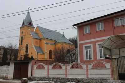 Чернівчан запрошують зустріти новий рік у церкві на Капеланській