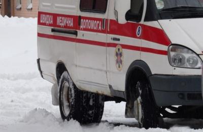 У ДТП на Прикарпатті травмувалась чернівчанка: Land Rover злетів з дороги