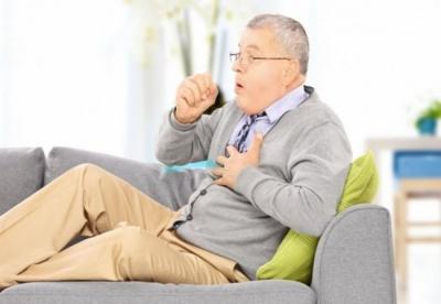 Постійне покашлювання: лікарка назвала ймовірні причини