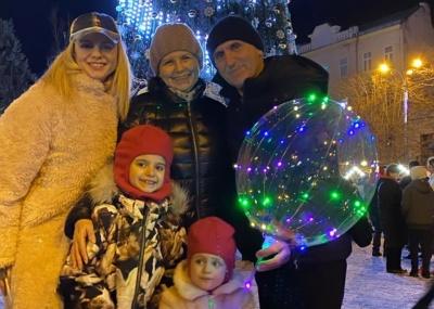 Лілія Ребрик відвідала головну ялинку Чернівців і покаталась на ковзанах – фото