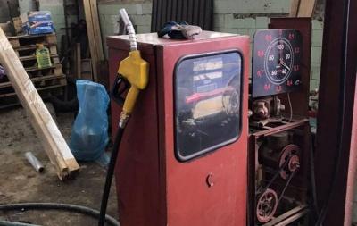 Облава на АЗС: на Буковині податківці вилучили нелегального пального на майже 2 млн грн