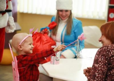 Клієнти ПриватБанку створили новорічне диво маленьким пацієнтам лікарень*