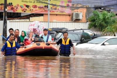 В Індонезії внаслідок повені загинули щонайменше 53 людини