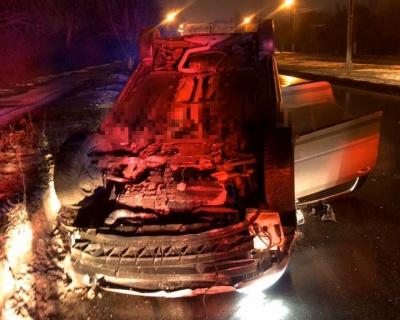 У Чернівцях біля Калинки вночі перекинулось авто: водій був п'яним