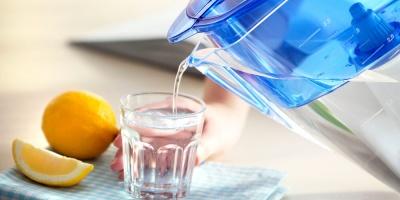 Дієтологи розвінчали 3 міфи про вплив води на схуднення