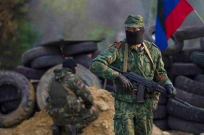 """Розвідка: У """"ДНР"""" бойовик розстріляв своїх поплічників"""