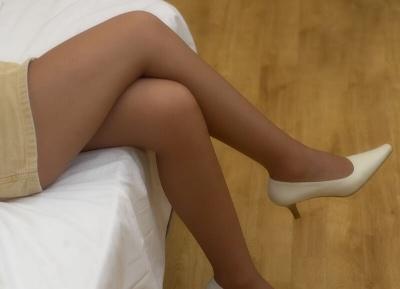 Сидіти нога на ногу: чим це небезпечно для здоров'я