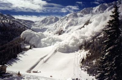 Синоптики знову попередили про лавини у горах Буковини