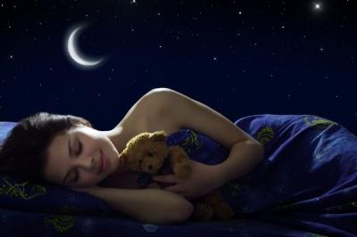 Вчені з'ясували, чому жінкам сон потрібен більше, ніж чоловікам