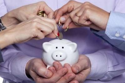 Накопичувальна пенсія: скільки внесків доведеться платити українцям