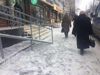 Шість підприємців Чернівців заплатять штраф за неприбраний сніг