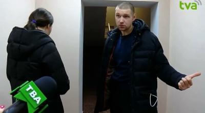 В Черновцах проводят обыски на телеканале ТВА - вживую
