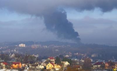 Масштабна пожежа у Чернівцях: горить будинок на Калічанці