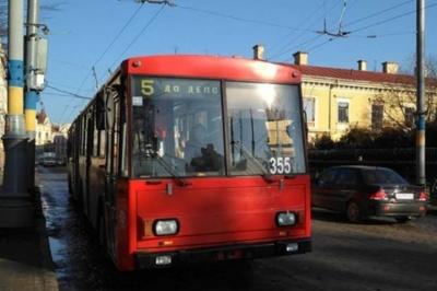У Чернівцях через фестиваль Маланок сьогодні тролейбуси змінили свої маршрути