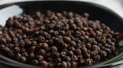 Чому взимку потрібно щодня вживати в їжу чорний перець