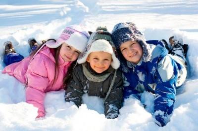 Зимові канікули закінчилися: у школах Чернівців відновили навчання