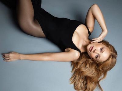 Тіна Кароль спокусила формами у сексуальному вбранні - фото