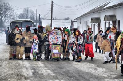 На Буковині стартувала традиційна «Вашківецька Маланка»