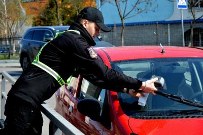 Як працюватиме інспекція з паркування в Чернівцях: деталі