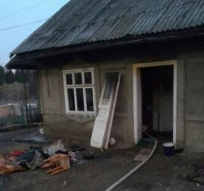 Буковинка з сином отримали опіки під час пожежі в будинку