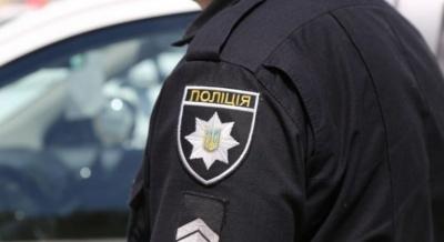 На Буковині водій-порушник накинувся з кулаками на поліцейського