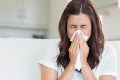 Наскільки небезпечно придушувати чхання?