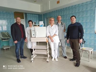 Чернівчанин подарував лікарні дороге обладнання після того, як медики врятували його сина