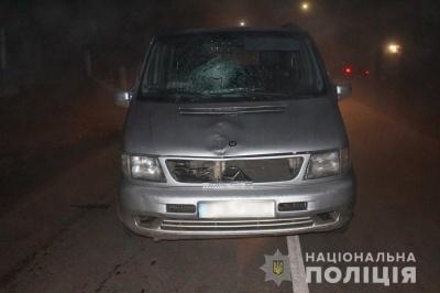 Смертельна ДТП: на Буковині мікроавтобус збив пішохода, він помер у реанімації