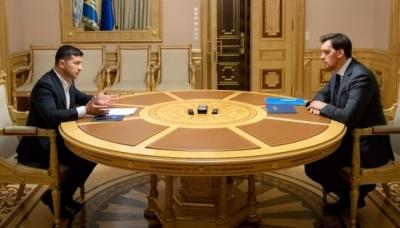 Піднімемо, коли зросте економіка: Зеленський обговорив із Гончаруком зарплати міністрів